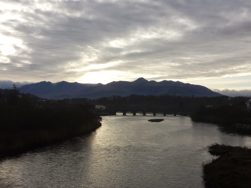 The Killorglin bridge with the MacGillycuddy Reeks in the background